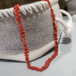 Jewelry - Corral necklace